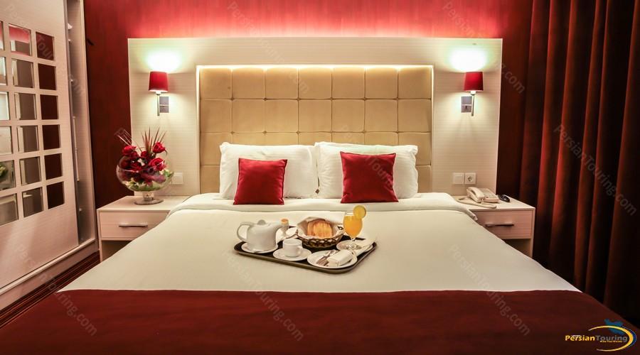 howeyzeh-hotel-tehran-honey moon 2