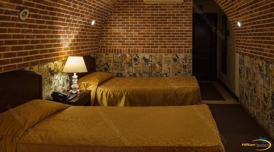 jaamejam-hotel-shiraz-Quadruple-suite-1