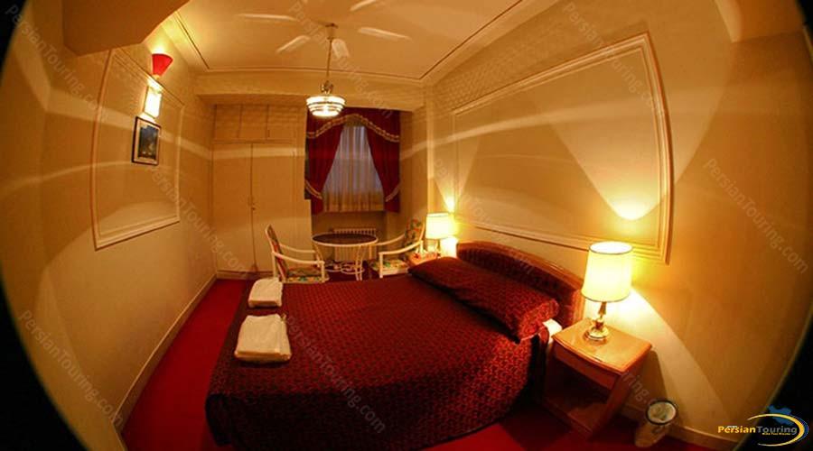 jaamejam-hotel-shiraz-double-room-2