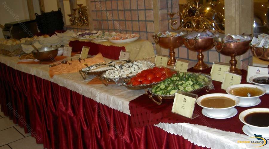 karimkhan-hotel-shiraz-restaurant-1
