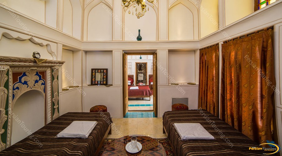 kianpour's-historical-residence-isfahan-room-1
