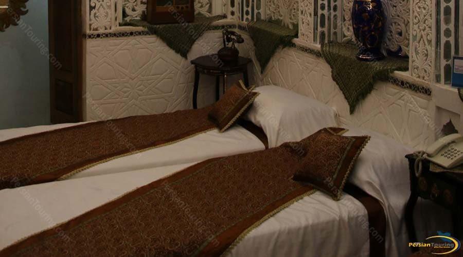 malek-al-tojar-hotel-yazd-twin-room-2