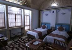moshir-al-mamalek-garden-hotel-yazd-twin-room-2