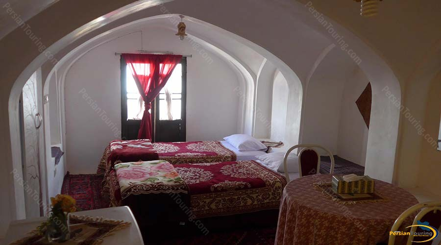 negin-traditional-hotel-kashan-twin-room-1