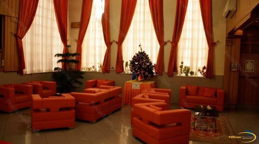 parseh-hotel-shiraz-labby-1