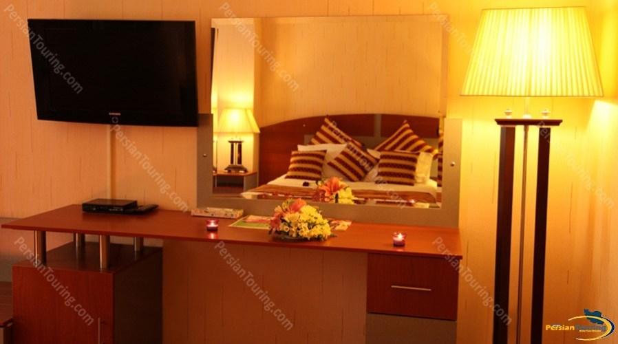 parsian-ali-qapu-hotel-isfahan-double-room-3