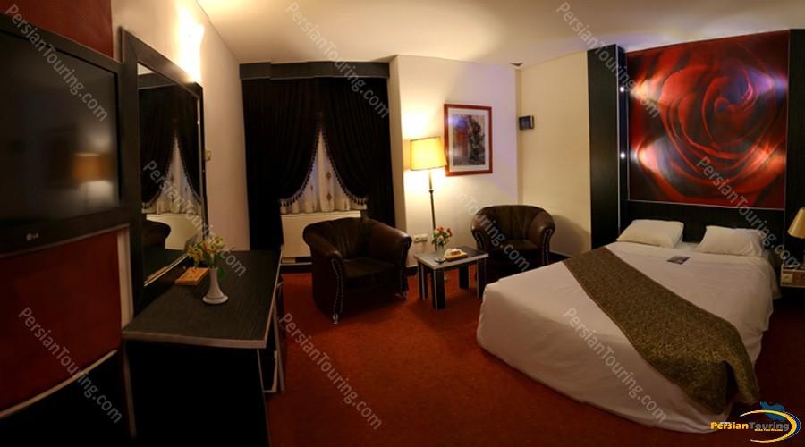 parsian-ali-qapu-hotel-isfahan-double-room-4