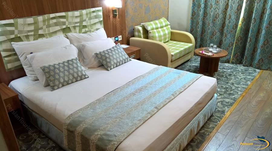 parsian-hotel-shiraz-double-room-4