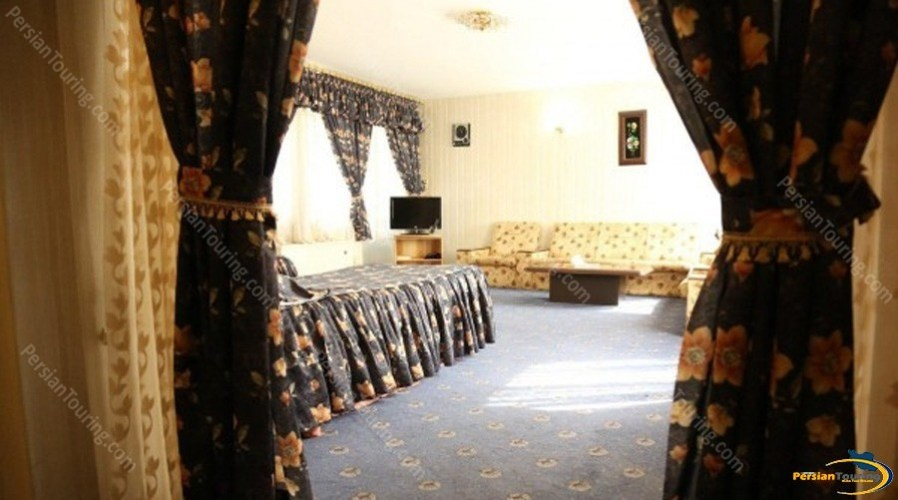 parsian-suite-hotel-isfahan-single-room-1