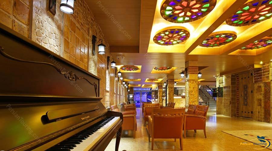 setaregan-hotel-shiraz-labby-1