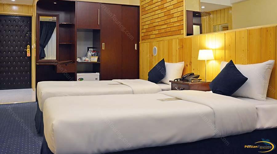 setaregan-hotel-shiraz-twin-room-1
