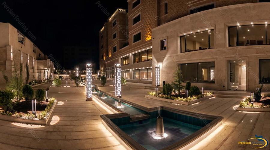zandiyeh-hotel-shiraz-outside
