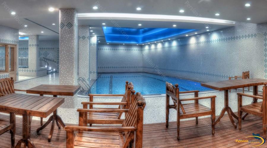 zandiyeh-hotel-shiraz-pool