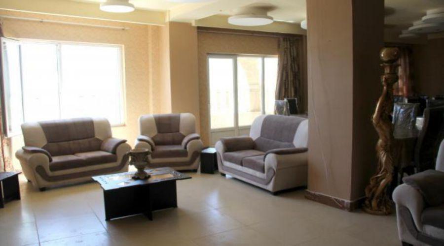 Halis Hotel Borujerd (1)