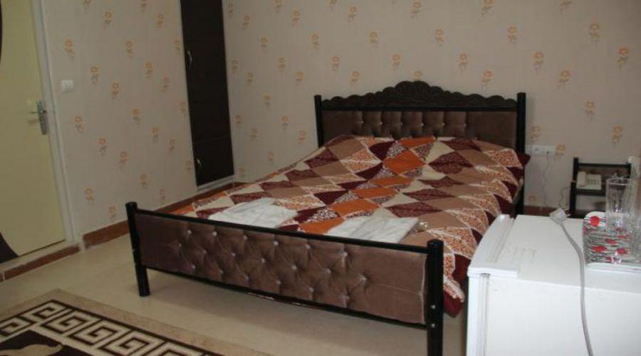 Halis Hotel Borujerd (2)
