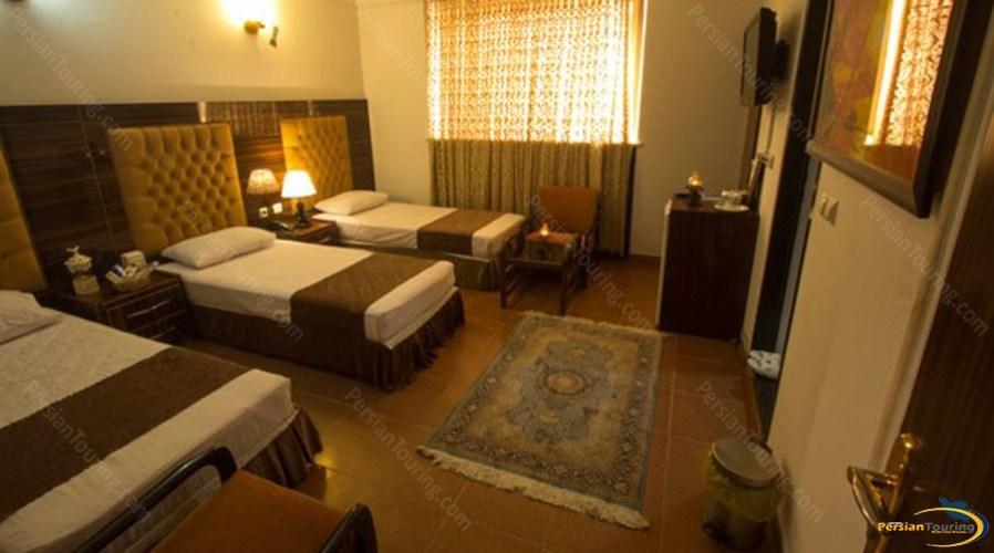 markazi-hotel-tehran-quadruple-room-1