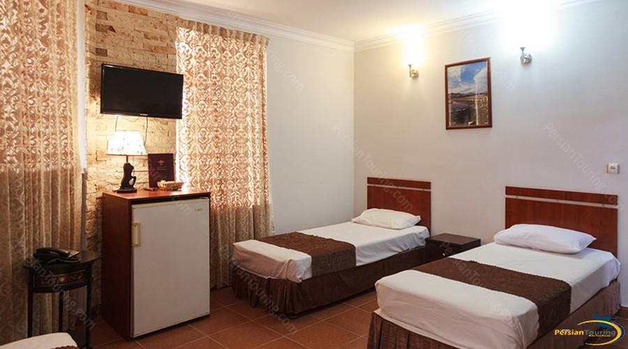 markazi-hotel-tehran-twin-room-1