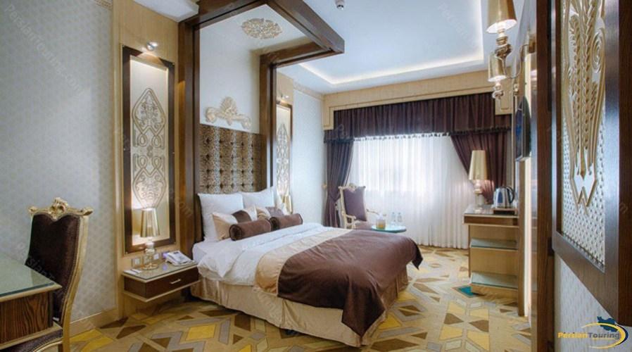 almas-2-hotel-mashhad-africa-de-jong-room
