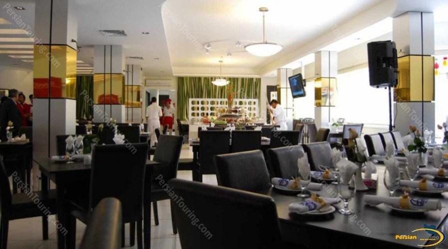 espadana-hotel-isfahan-restuarant-3