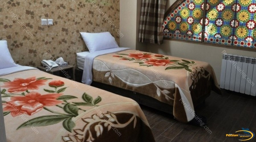 jamshid-hotel-isfahan-twin-room-3