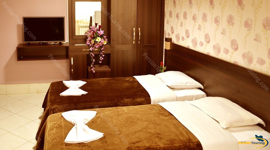 jolfa-hotel-isfahan-twin-room-6