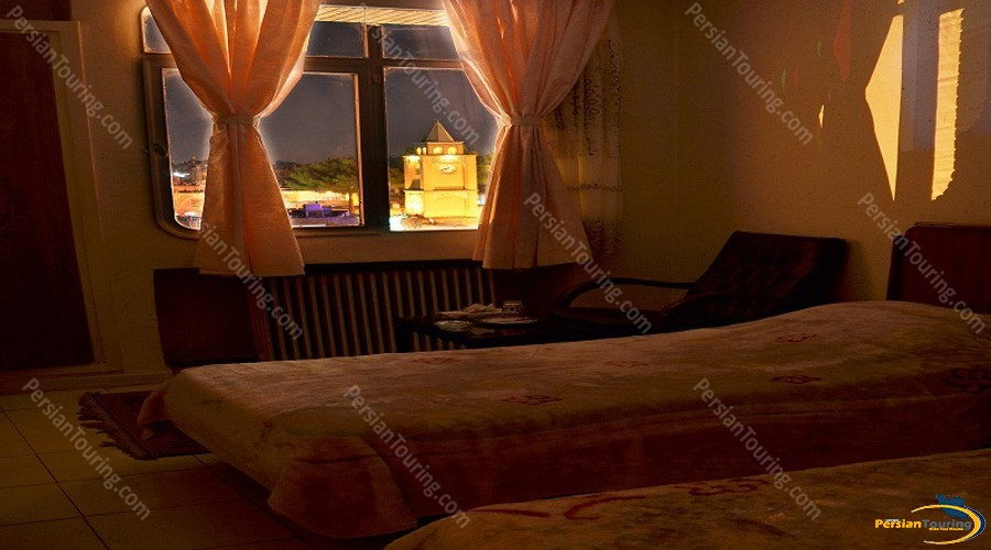 jolfa-hotel-isfahan-twin-room-8