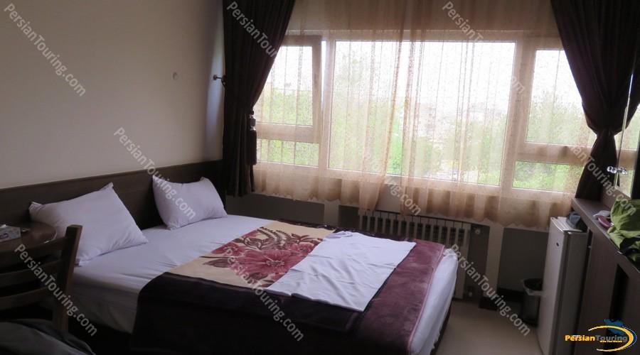 viana-hotel-isfahan-double-room-3