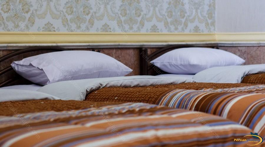 aftab-hotel-tehran-twin-1