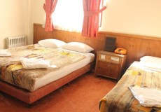 avrin-hotel-tehran-triple-room-1