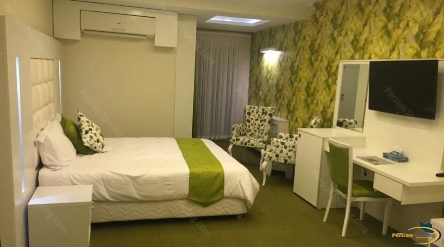 baloot-hotel-tehran-triple-room-2