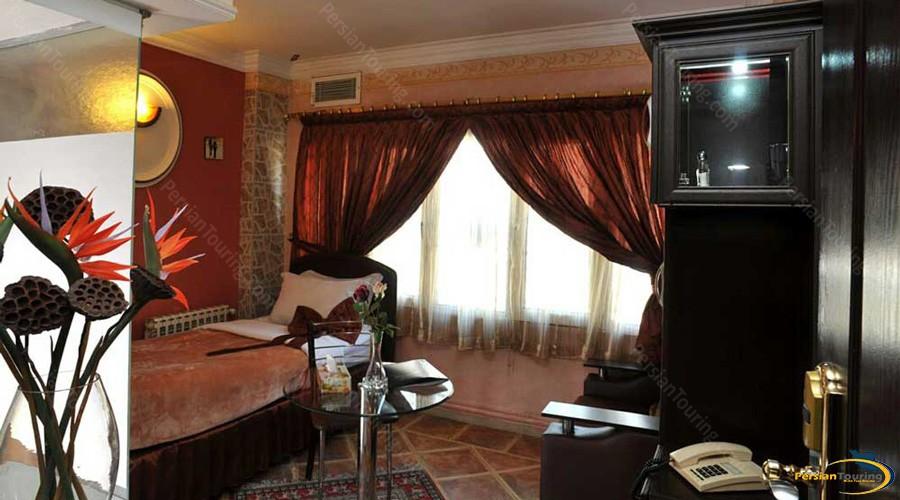 elyan-hotel-tehran-single-room-1