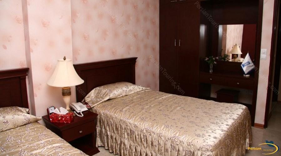 koorosh-hotel-tehran-twin-room-1