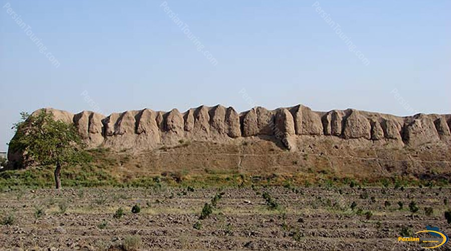 tappeh-gabri-and-other-towers-1