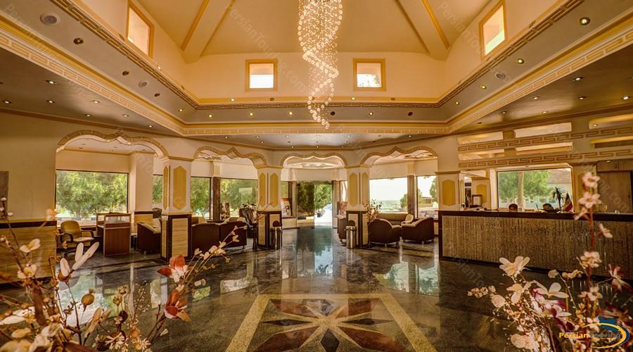 golden-beach-hotel-qeshm-reception