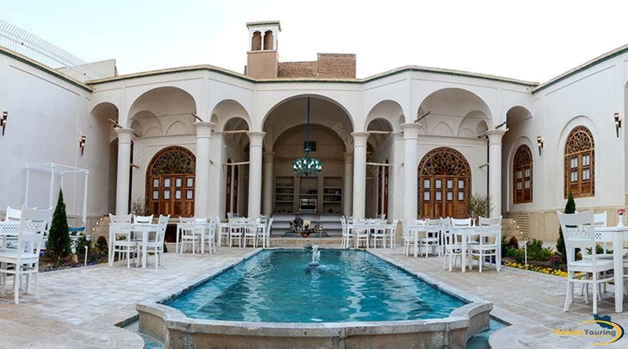 ariana-hotel-kashan-view-1