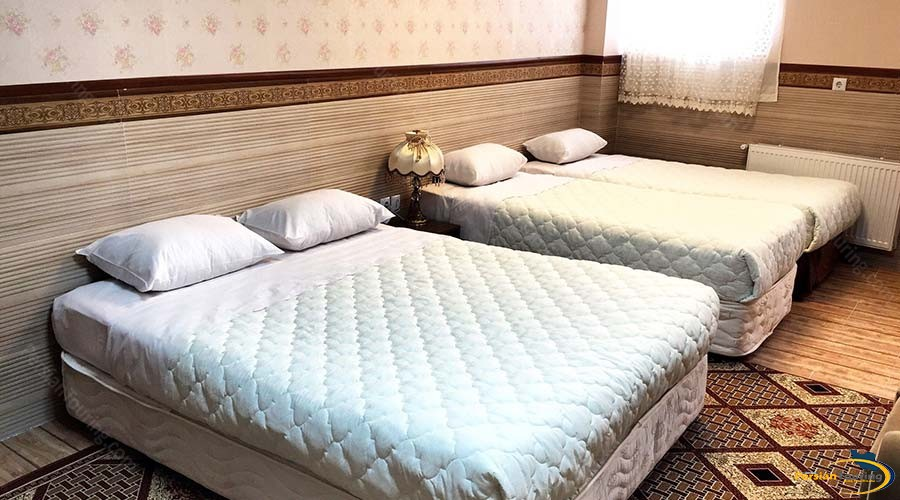 al-zahra-hotel-yazd-quadruple-room-2