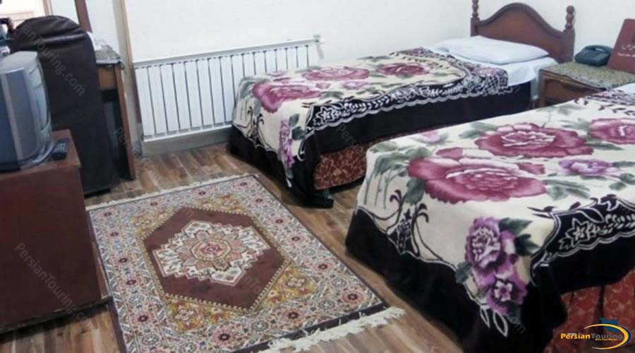 atlas-hotel-yazd-twin-room-2
