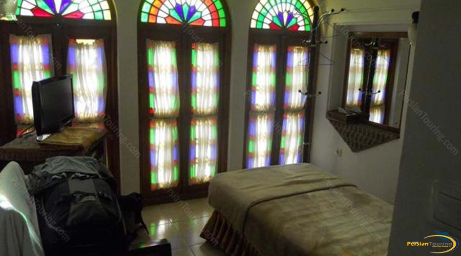 mozafar-traditional-hotel-yazd-single-room-1