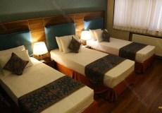 parsian-azadi-hotel-yazd-triple-room-2
