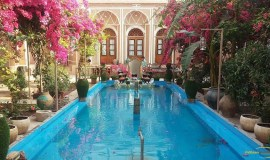 traditional-kohan-hotel-yazd-yard-3