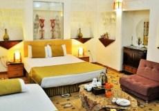 vali-traditional-hotel-yazd-triple-room-1