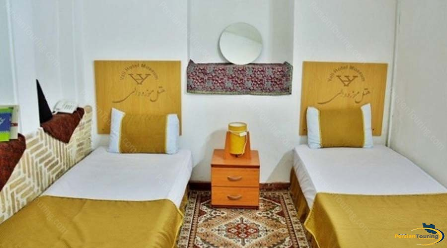 vali-traditional-hotel-yazd-twin-room-1