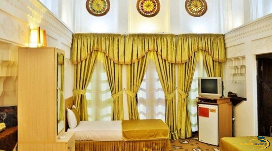 vali-traditional-hotel-yazd-twin-room-2