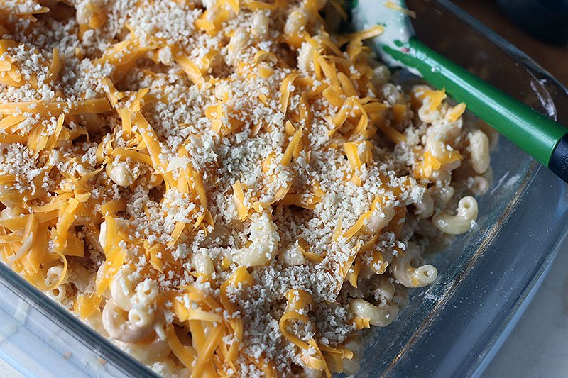 Homemade Baked Macaroni and Cheese is a delicious, super rich, five cheese baked mac and cheese recipe. This copycat steakhouse recipe is fancy enough to serve to guests for holidays, but so delicious, you'll want to make this easy baked mac and cheese recipe every day! www.persnicketyplates.com