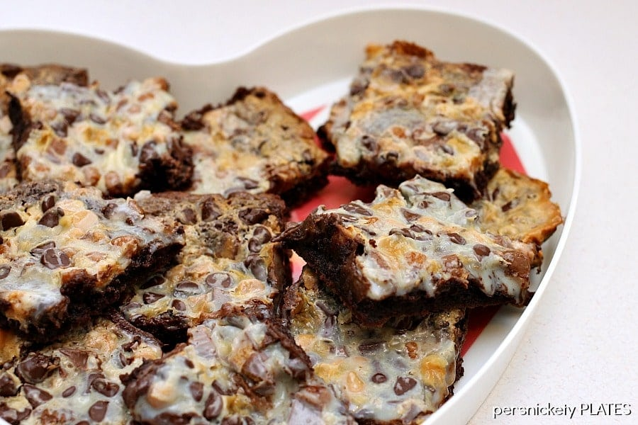Peanut Butter Caramel Brownie Magic Bars | Persnickety Plates