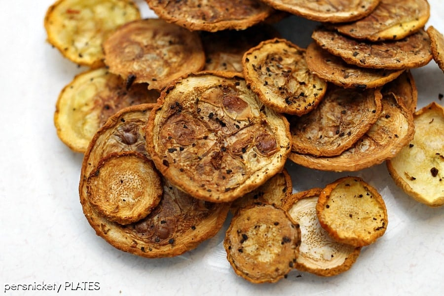 Squash Chips - a healthy alternative to potato chips that pack a ton of flavor! | Persnickety Plates