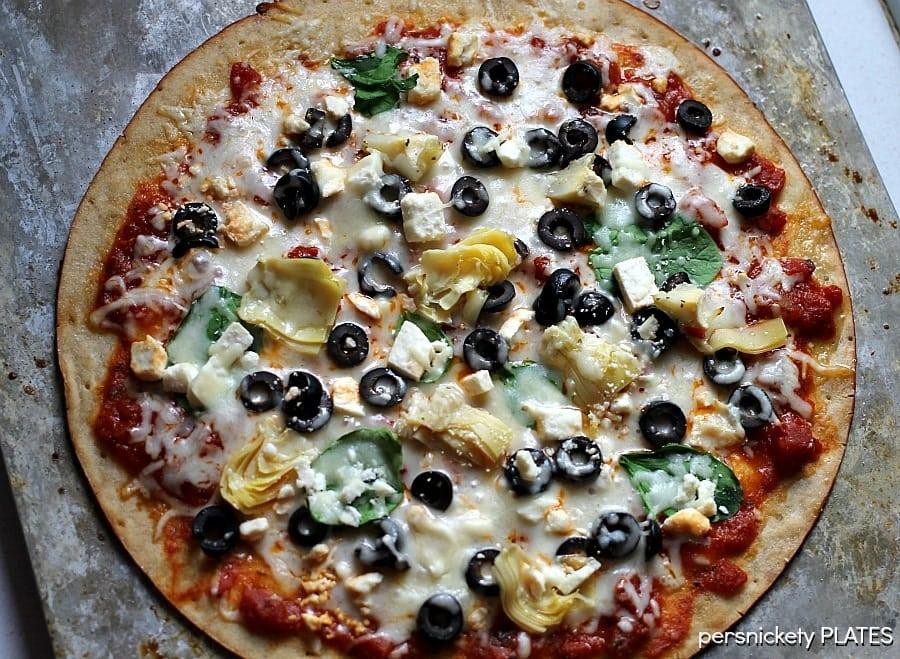 Gluten Free Spinach & Artichoke Pizza   Persnickety Plates