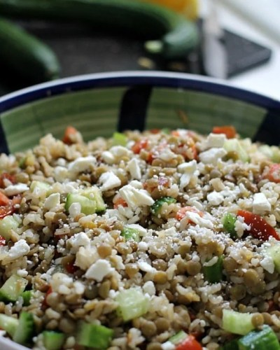 Lentils with Brown Rice & Veggies - a light but flavorful vegetarian meal | Persnickety Plates