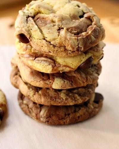 Fudge Marble Cookies - 5 ingredient cake mix cookies | Persnickety Plates