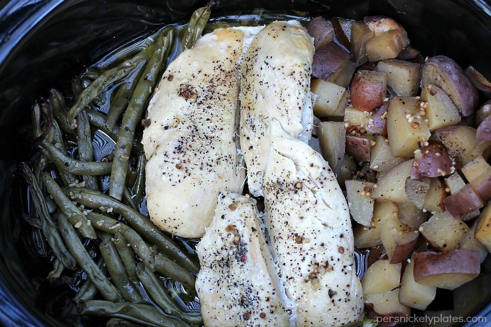 Slow Cooker Chicken, Potatoes, & Green Beans - your entire dinner made right in the crock pot! | www.persnicketyplates.com